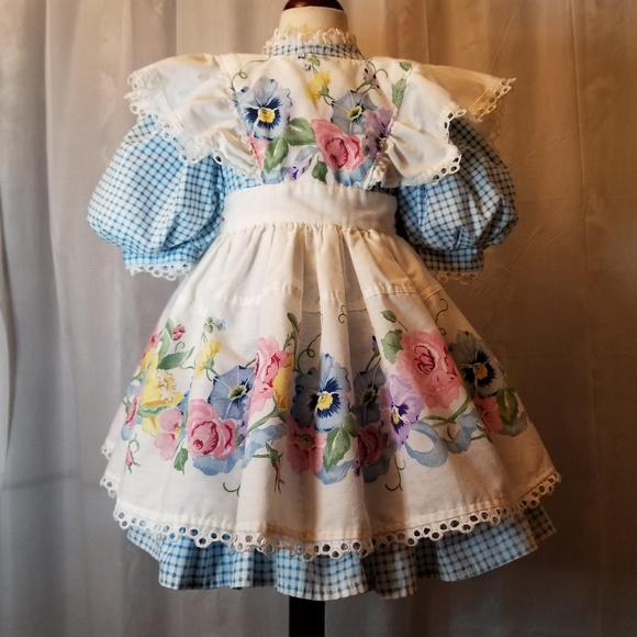09cb41d159fbe Little Girl's Old Fashioned Pinafore Dress
